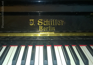 J. Schiller -piano